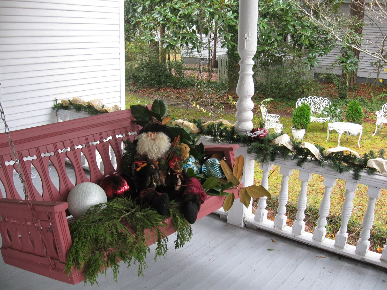 One Shabby Old House Christmas Tour First Impressions
