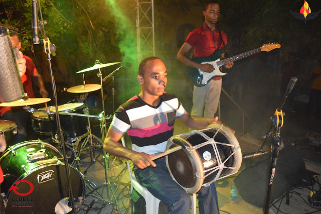 tambora,merengue,mambo,tamborero