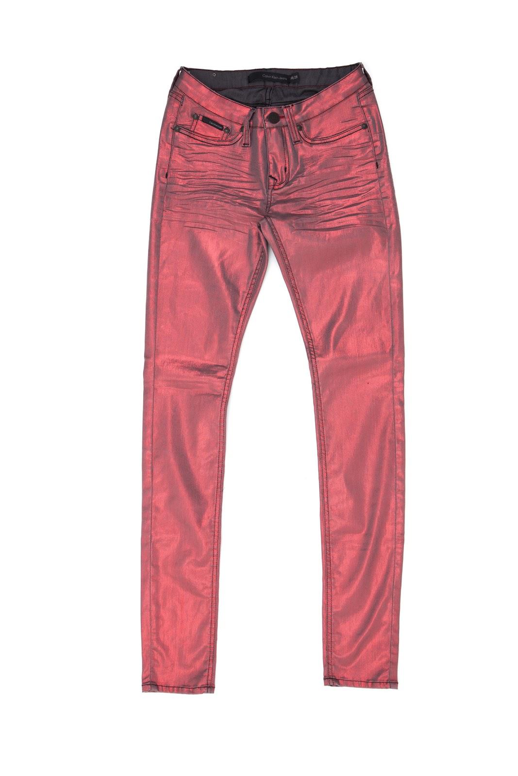 3fff0f1fbf423 Em Curitiba, a Liquid Metal pode ser encontrada nas lojas Calvin Klein  Jeans do ParkShoppingBarigüi e do Shopping Crystal.