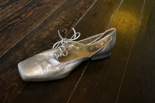 silvered clear oxford lace up shoes vintage mod 1960s 60s