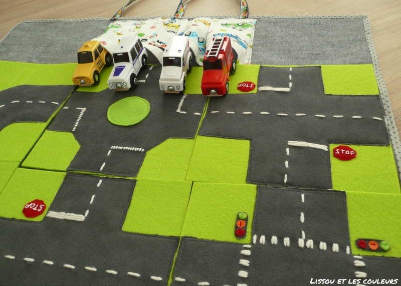lissou et les couleurs diy un circuit de voitures nomade. Black Bedroom Furniture Sets. Home Design Ideas