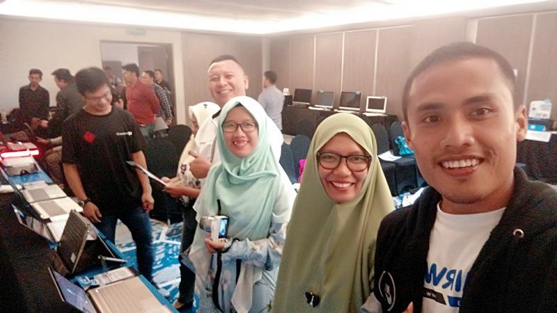 Test Drive Game Balap Mobil di Event HP Media Gathering 2017 mirwan choky