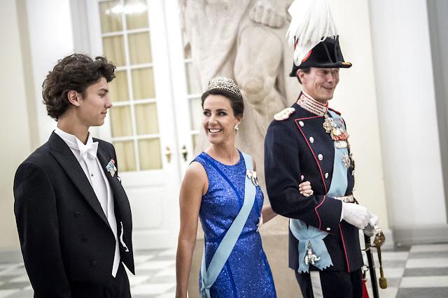 Księżna Marie, Książę Joachim i Książę Nikolai na przyjęciu z okazji 50.urodzin księcia Frederika + więcej