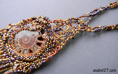 купить кулон ожерелье фриформ колье из бисера с аммонитом украина