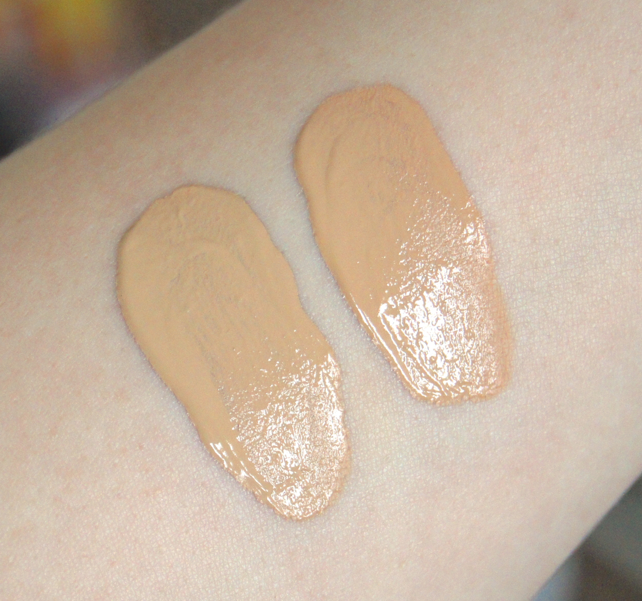 chanel vitalumiere aqua foundation b20 b30 swatches
