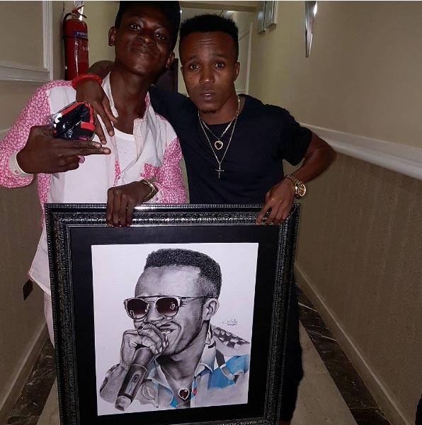 Humblesmith receives portrait drawing of himself made by fan