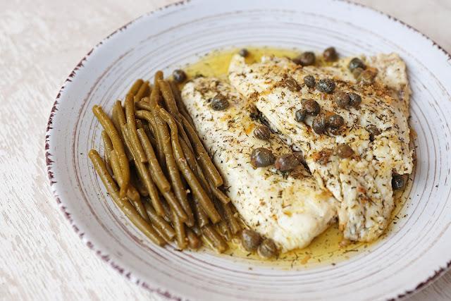 Συνταγή για Φιλέτο Τσιπούρας με Σάλτσα Λεμονιού και Κάπαρη