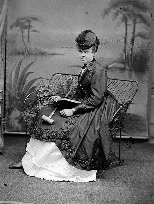 Femulator, circa 1900