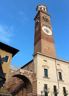 Palacio de la Razón y torre Lamberti
