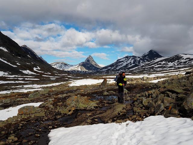 Jezero Rauddalsvatnet, kameny, příroda, odpočinek, sníh, Jotunheimen
