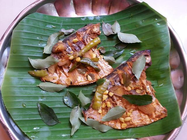 Fish chuttath, recipe , Grilled fish , fish in tawa recipe ,Meen ilayil chuttath  .pollichath ,