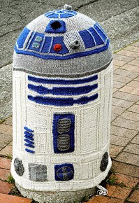 http://www.ravelry.com/patterns/library/lifesize-r2d2-cozy