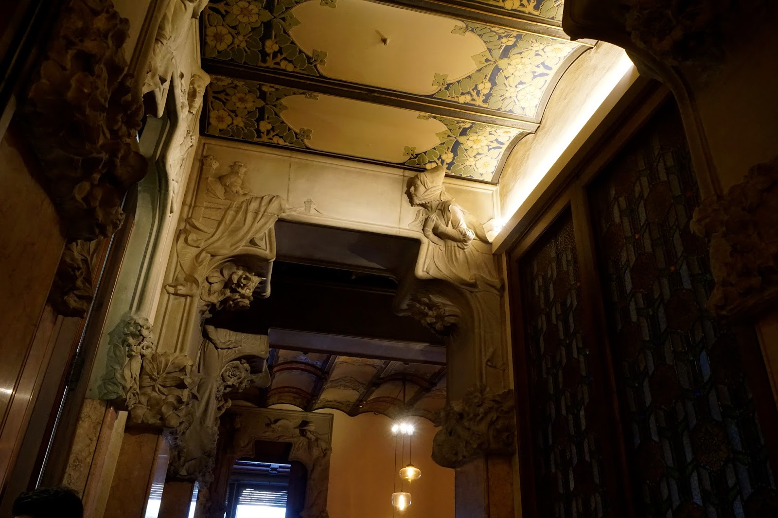 カサ・リェオ・モレラ(Casa Lleo i Morera)