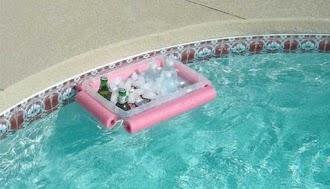 Cerveja, calor, piscina e hidrostática