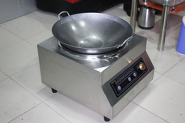 Kinh nghiệp chọn nồi nấu dành cho bếp từ công nghiệp