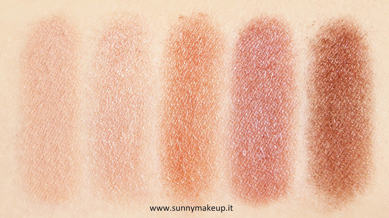 Zoeva - Rose Golden. Palette di ombretti swatch