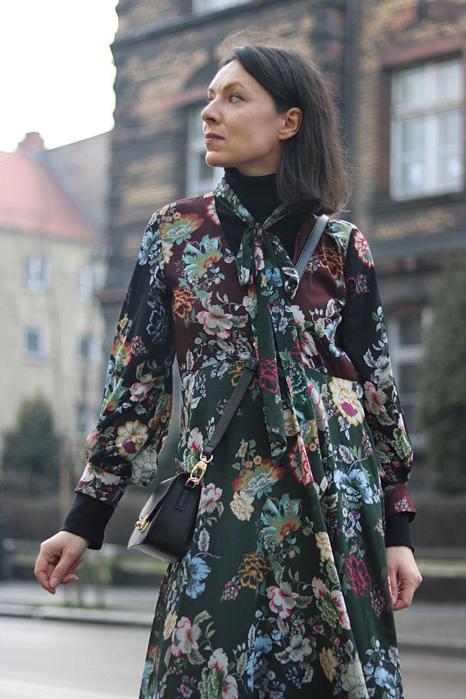 sukienka i kożuch