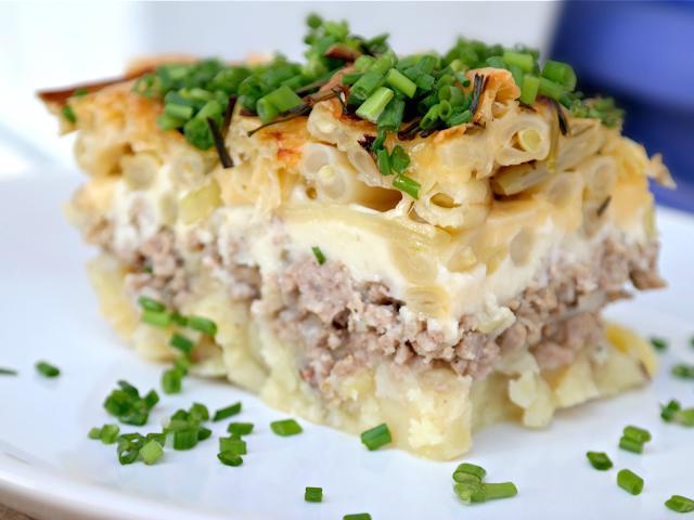 Zapiekanka z mięsa mielonego, ziemniaków i fasolki