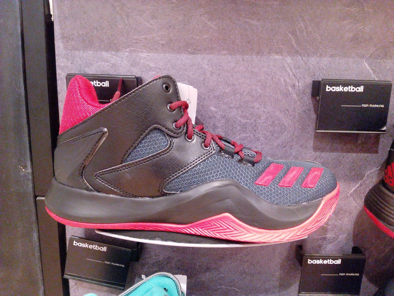 new style de1e1 36cb1 More colorways of D Rose 773 V