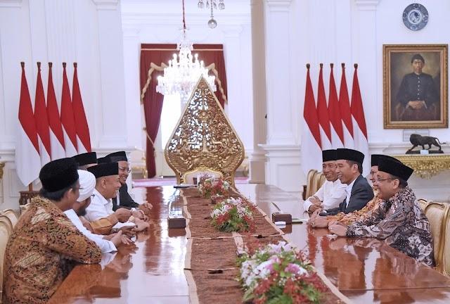 """GNPF MUI Akhirnya """"Takluk"""" di Istana Merdeka?"""