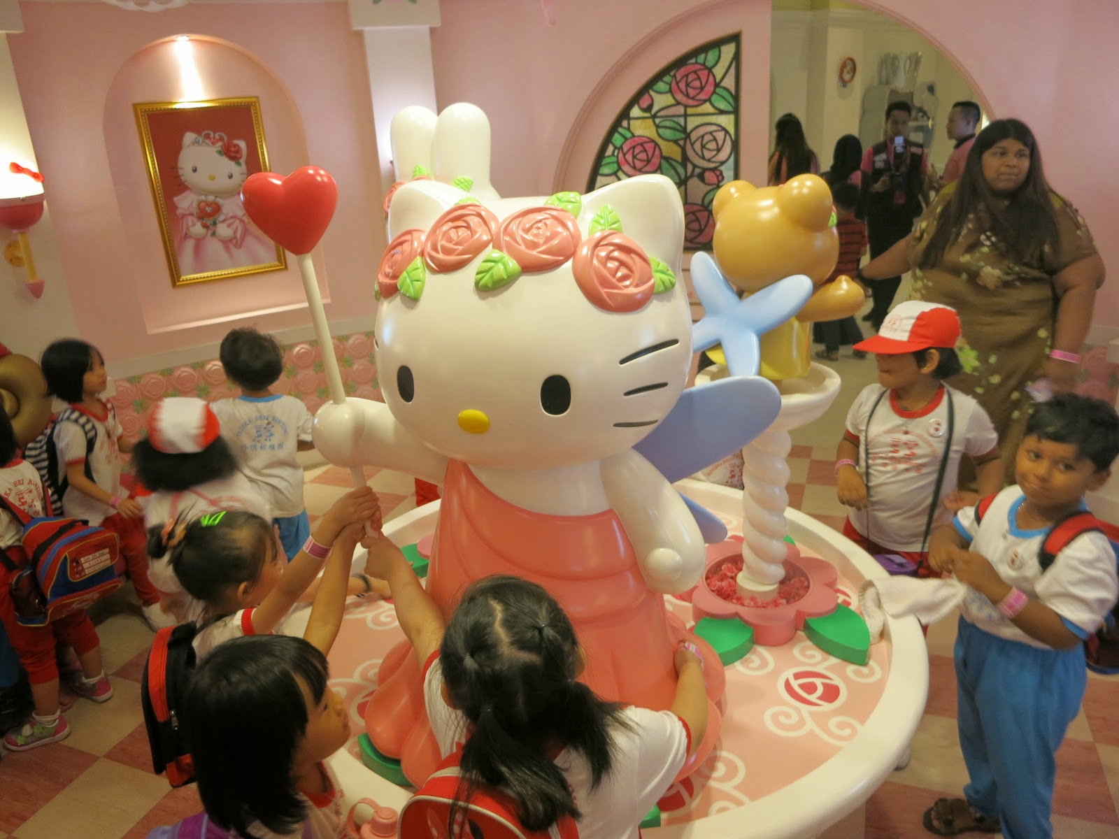 Hello Kitty House Tour splash of yellow: what to see at the sanrio hello kitty town in