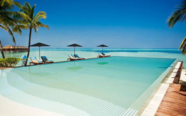 LUX* South Ari Atoll, Senses Pool, Interior, (c) LUX* Resorts & Hotels