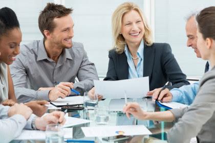 5 Tips Agar Tetap Fit Saat Bekerja di Kantor