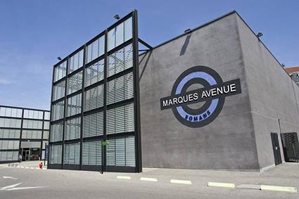 En D'usine Marques Magasins Romans France Les Avenue wrqqnXpI6