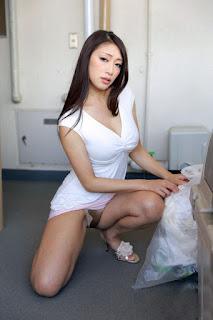 Reiko Kobayakawa di apartement