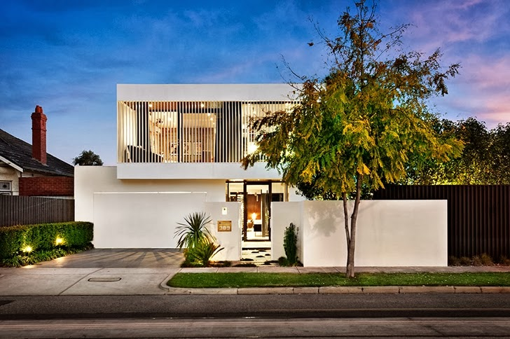 White street facade and Beautiful modern backyard by Cos Design