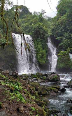 Bagi Anda yang ingin berlibur ke Jawa Tengah tapi ingin mencari suasana wisata gres Lokasi dan Rute Menuju Curug Jenggala Banyumas