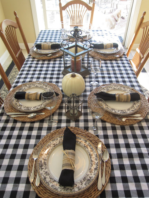 Black and White Fall Table using checkered tablecloth