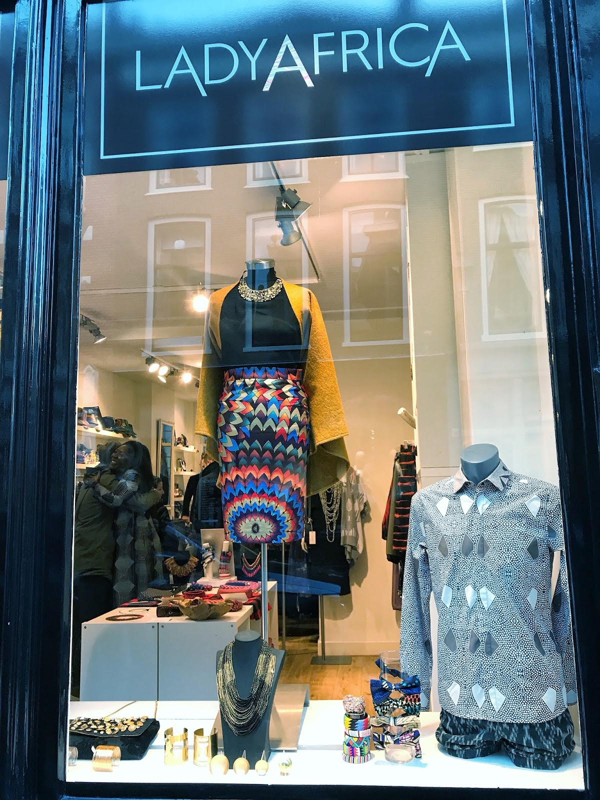 Lady Africa Shopping in The Hague