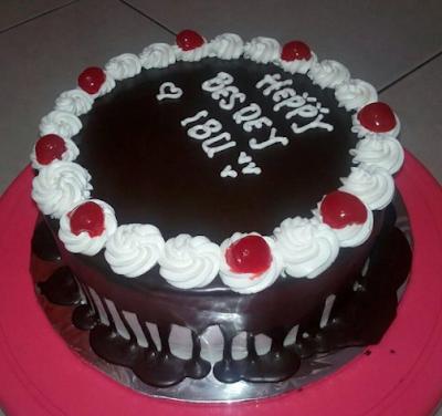Bolu BlackForest Kue Ulang Tahun New 2017 Yang Sedernaha Untuk Ibu Atau Mama
