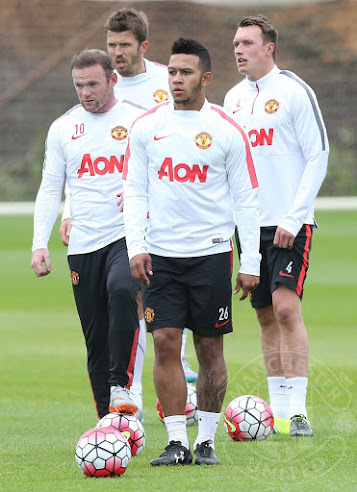 79d24fe08e Memphis Depay wore his black Under Armour Speedform Leather Boots in his  first Manchester United training session on July 7