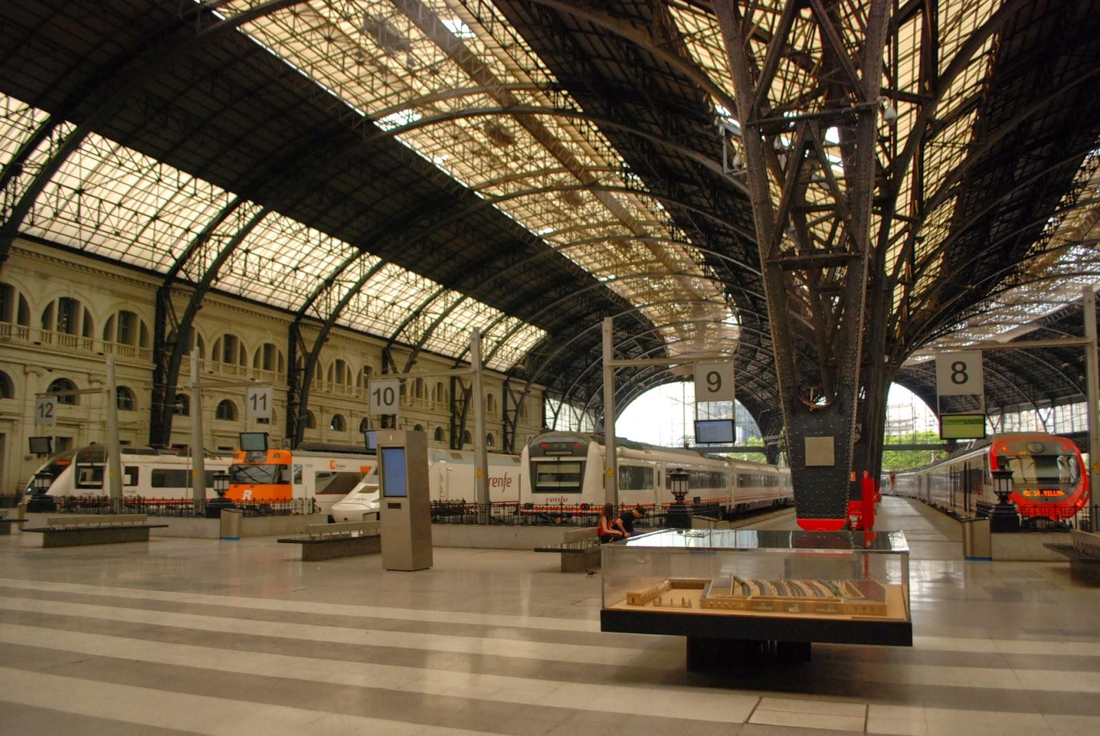 Французский вокзал, Барселона, Каталония, Испания. Barcelona, Catalonia, Spain