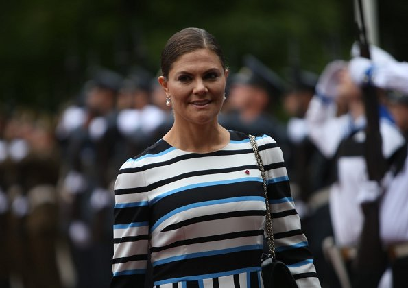 Crown Princess Victoria wore Dolce and Gabbana 3/4 length dress, Gianvito Rossi suede pumps and she carried Valentino Small chain shoulder bag