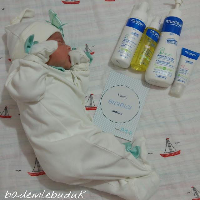 yeni doğan bebek banyo bakımı
