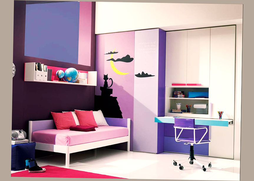 Cute Teenage Bedroom Ideas With Computer Desktop Table And Chair