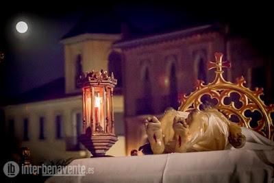 https://interbenavente.es/not/21137/la-procesion-de-las-tinieblas-se-abre-paso-en-la-semana-santa-de-benavente/