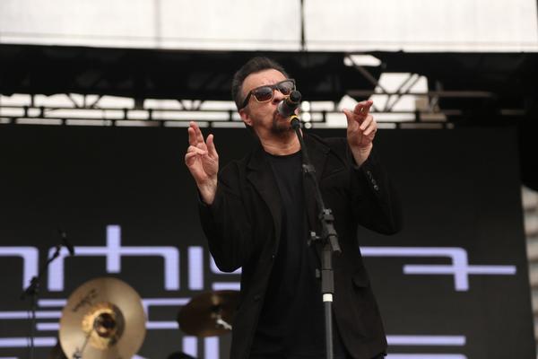 Rolling Stone Festival tem chuva e Rock 'N' Roll em grande escala