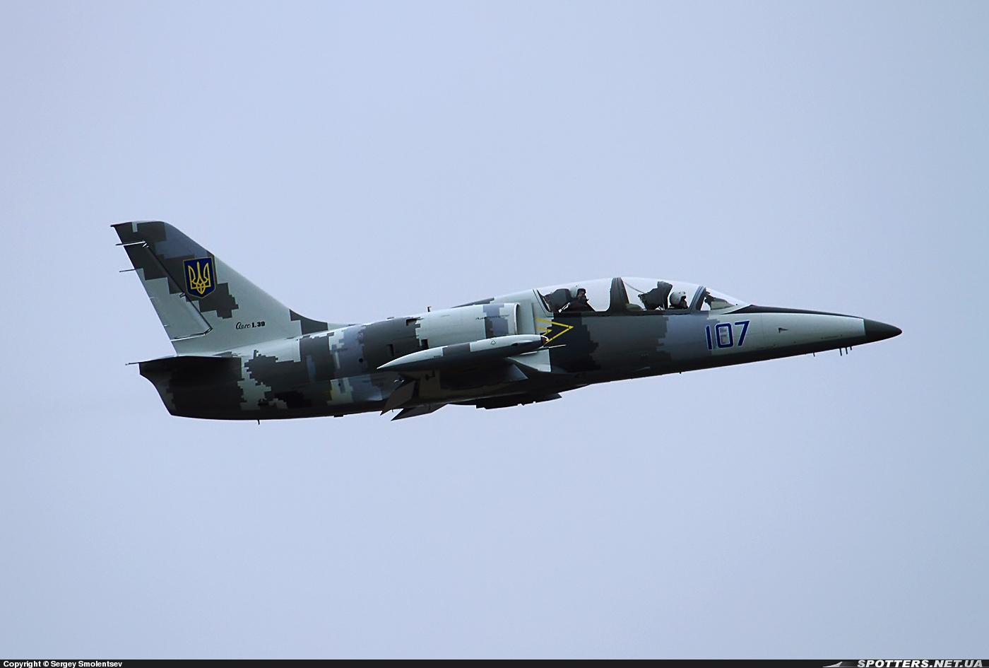 L-39M1 «Альбатрос» б/н 107 «синій»