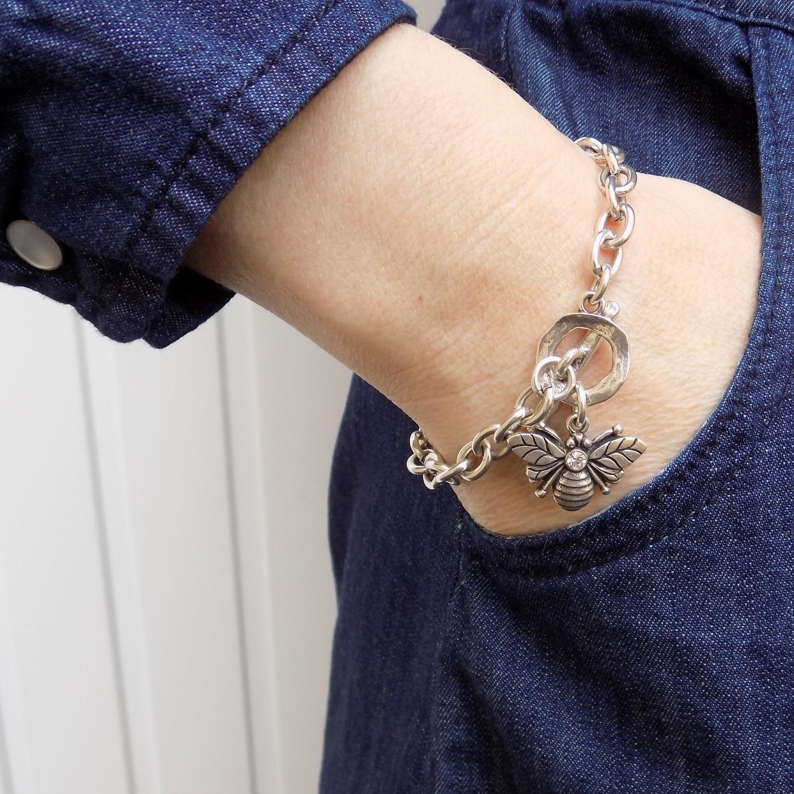 Danon swarovski bee necklace