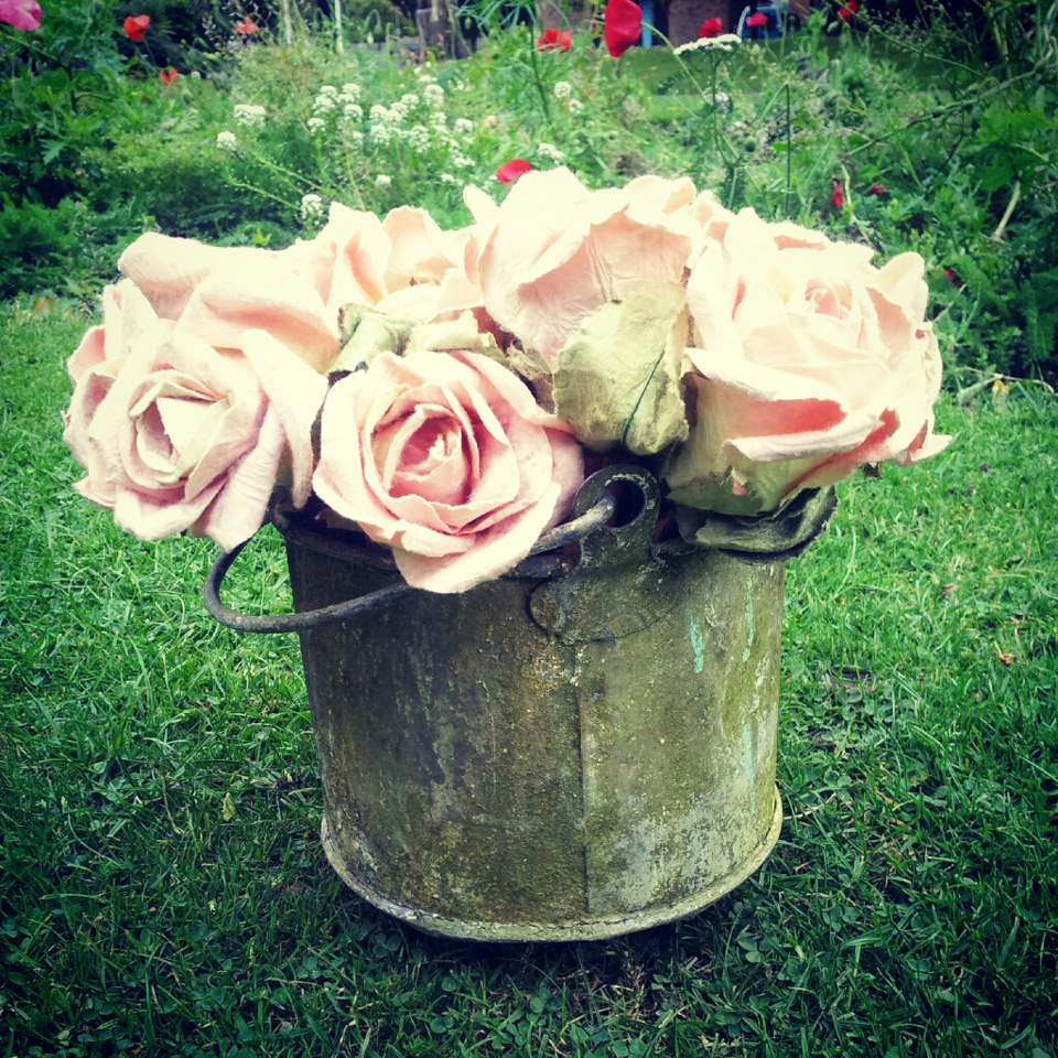 Image of how to spray paint plastic flowers spray painted flowers6 how to spray paint plastic flowers mightylinksfo