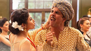 GOLD Movie Review | Akshay Kumar, Mouni Roy