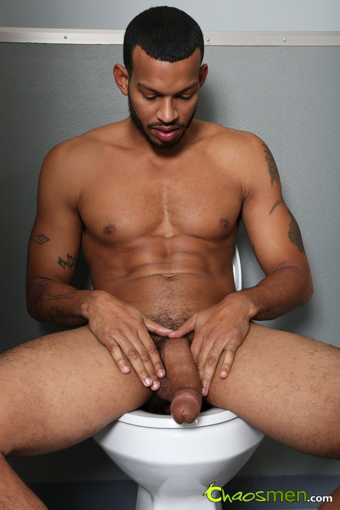 Sexo Gay Mike-Mann-and-Jet-Chaos-Men-gay-porn-gloryhole-blowjob-1