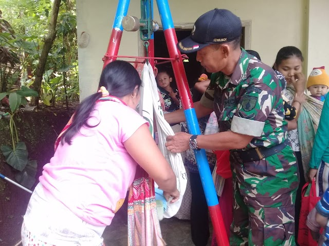 Sukseskan Program Balita Sehat, Babinsa Tunjung Dampingi posyandu