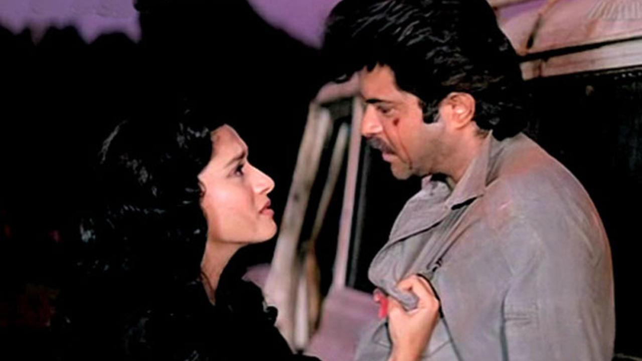 Top 10 movies of Madhuri Dixit - Madhuri Dixit and Anil Kapoor in Tezaab