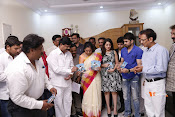 MP Kavitha Launches Jeelakarra Bellam Audio-thumbnail-5