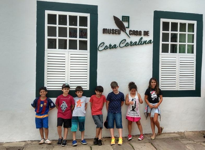 Cidade de Goiás com crianças
